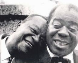 23 de abril - ixinguinha e Louis Amstrong - Nov.1957 - Acervo Andre Diniz
