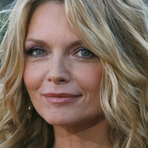 29 abril - Michelle Pfeiffer - capa