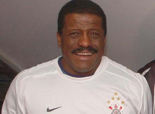 18 de maio - Zé Maria, futebolista brasileiro