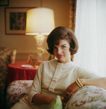 19 de maio - Jacqueline Kennedy Onassis, primeira-dama norte-americana (n. 1929)
