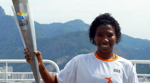 19 de maio - Pretinha, futebolista brasileira