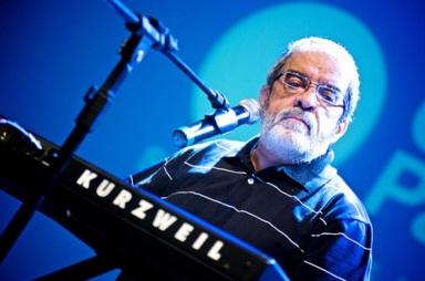 22 de maio - Zé Rodrix, cantor, compositor e instrumentista brasileiro