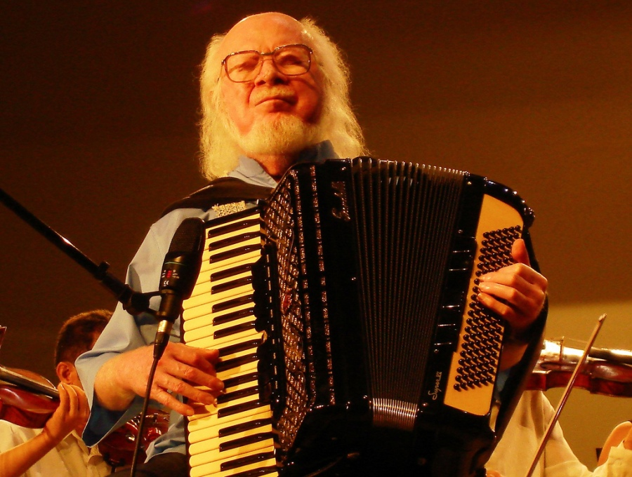 26 de maio - Sivuca, músico brasileiro