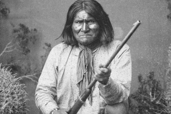 16 de junho - Gerônimo, líder indígena norte-americano