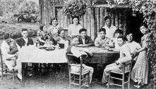 18 de junho - em 1908 aporta em Santos o navio Kasato-Maru, trazendo os primeiros imigrantes japoneses ao Brasil