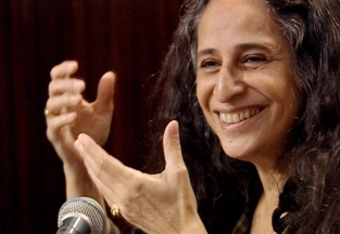 18 de junho - Maria Bethânia, cantora brasileira