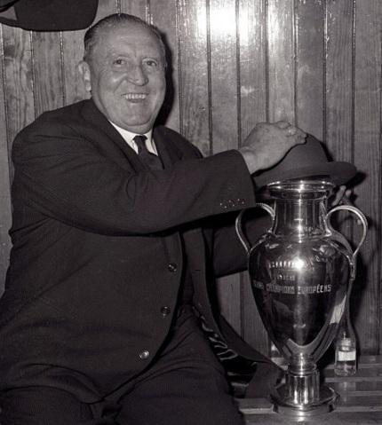 2 de junho - Santiago Bernabeu, futebolista e empresário espanhol