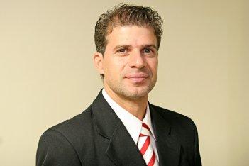 2 de junho - Túlio Maravilha, ex-futebolista e político brasileiro