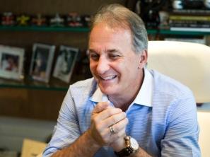 20 de junho - Otávio Mesquita, apresentador e automobilista brasileiro