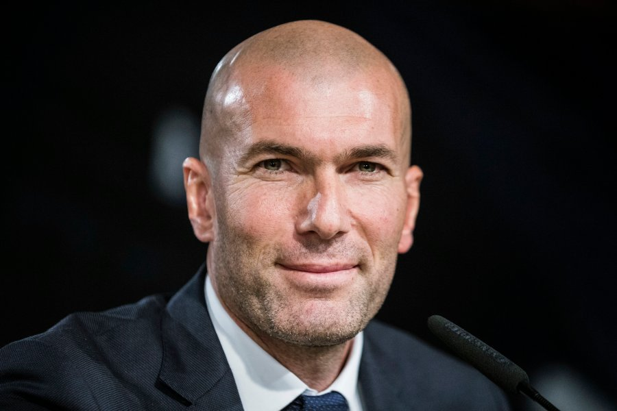Real Madrid's new French head coach Zinedine Zidane speaks during a press conference at Santiago Bernabeu stadium in Madrid, Spain, 05 January 2016. Real Madrid and France icon Zinedine Zidane took over as Real Madrid's head coach from sacked Rafael Benitez, the Spanish Primera Division soccer club announced on 04 January 2016. EFE/Emilio Naranjo