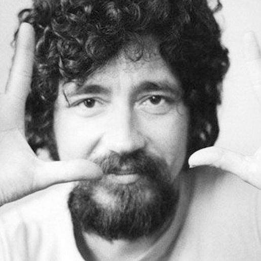 28 de junho - Raul Seixas, cantor e compositor brasileiro, pioneiro do Rock and Roll