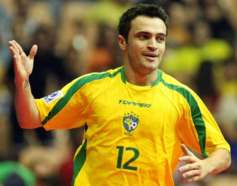8 de junho - Falcão, jogador brasileiro de futsal