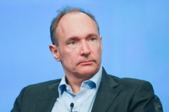 8 de junho - Tim Berners-Lee, inventor do World Wide Web