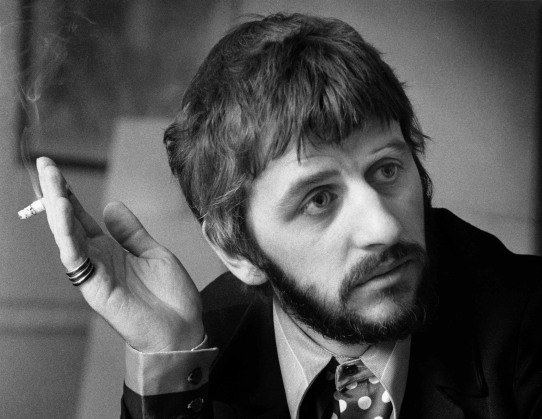 7 de julho - Ringo Starr (nascido Richard Starkey) vocalista (Álbuns Solo) e baterista inglês (The Beatles).