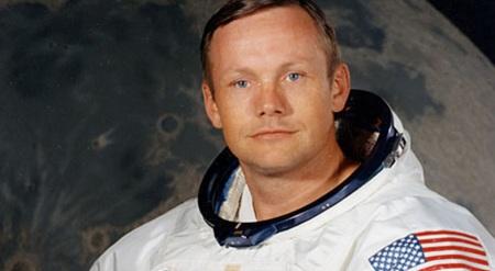 5 de Agosto - Neil Armstrong, astronauta dos Estados Unidos, primeiro homem a pisar no solo lunar