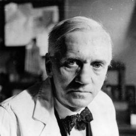 6 de Agosto - Alexander Fleming, cientista e médico bacteriologista britânico, descobridor da penicilina