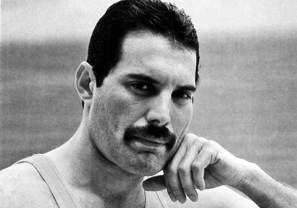 5 de Setembro - Freddie Mercury, cantor britânico, líder do grupo Queen