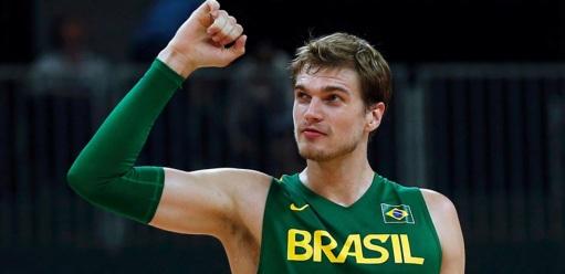 1-de-janeiro-tiago-splitter-jogador-de-basquete-brasileiro