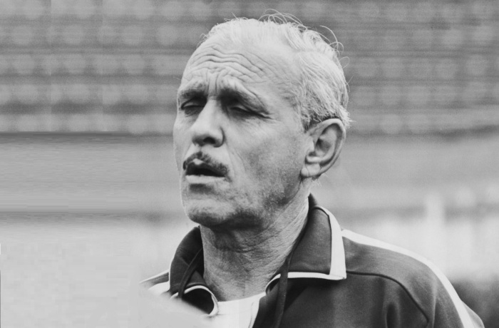 24-de-janeiro-aymore-moreira-futebolista-e-treinador-de-futebol-brasileiro