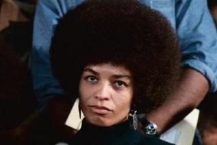 26-de-janeiro-angela-davis-ativista-e-filosofa-estadunidense