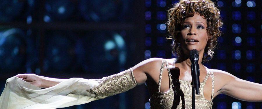 11-de-fevereiro-whitney-houston-cantora-norte-americana