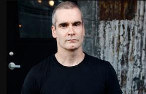 13-de-fevereiro-henry-rollins-vocalista-compositor-e-ativista-norte-americano