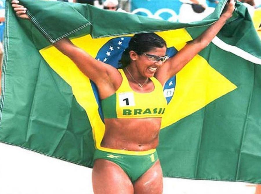 13-de-fevereiro-jacqueline-silva-ex-jogadora-brasileira-de-volei