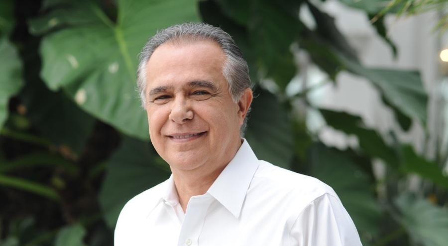 13-de-fevereiro-roberto-davila-jornalista-brasileiro-acontecimentos-do-dia