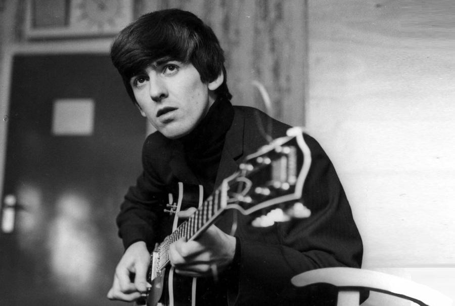 25-de-fevereiro-george-harrison-cantor-e-musico-britanico