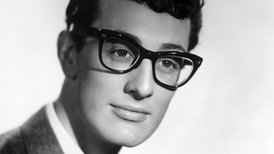 3-de-fevereiro-buddy-holly-cantor-e-compositor-estadunidense