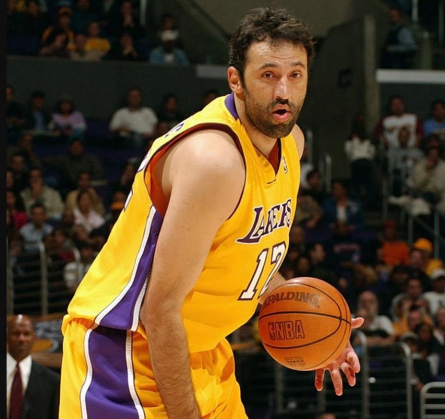 3-de-fevereiro-vlade-divac-ex-jogador-de-basquete-servio
