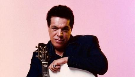 8-de-fevereiro-wando-cantor-brasileiro