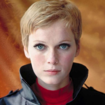 9-de-fevereiro-mia-farrow-atriz-estadunidense