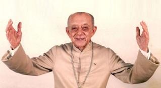 helder-camara-bispo-catolico-e-escritor-brasileiro