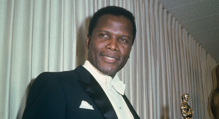 sidney-poitier-holding-his