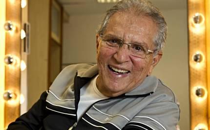 12 de Março - Carlos Alberto de Nóbrega, humorista brasileiro.