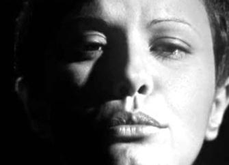 17 de Março - Elis Regina, cantora, brasileira
