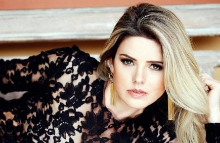 19 de Março - Mari Alexandre, modelo e atriz brasileira.
