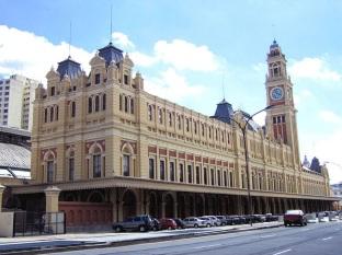 20 de Março - 2006 — Inauguração do Museu da Língua Portuguesa em São Paulo, Brasil.