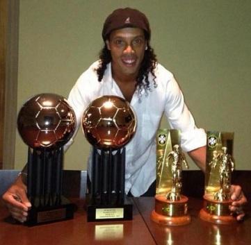 21 de Março - Ronaldinho Gaúcho, futebolista, brasileiro.