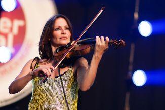 24 de Março - Sharon Corr, musicista irlandesa