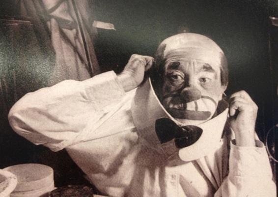 27 de Março - 1897 — Piolin - palhaço brasileiro (m. 1973)