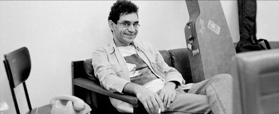 27 de Março - 1960 - Renato Russo - cantor e compositor brasileiro (m. 1996).