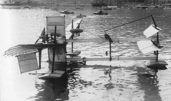 28 de Março - 1910 — Henri Fabre se torna a primeira pessoa a pilotar um hidroavião.