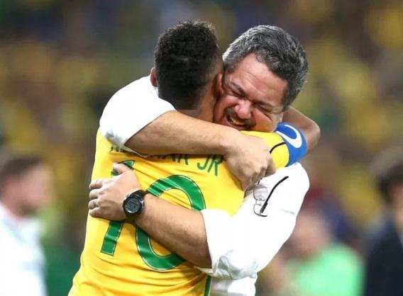 28 de Março - 1969 — Rogério Micale, treinador brasileiro de futebol e Neymar - Olimpíadas do Rio 2016