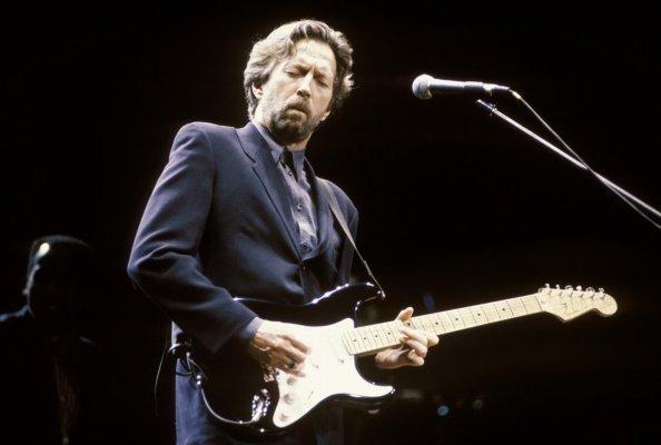 30 de Março - 1945 — Eric Clapton, guitarrista e cantor britânico.
