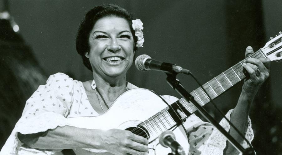 4-de-marco-inezita-barroso-cantora-e-apresentadora-brasileira