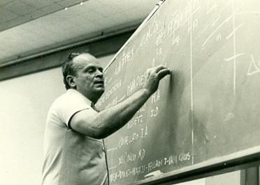8 de março - César Lattes, físico brasileiro