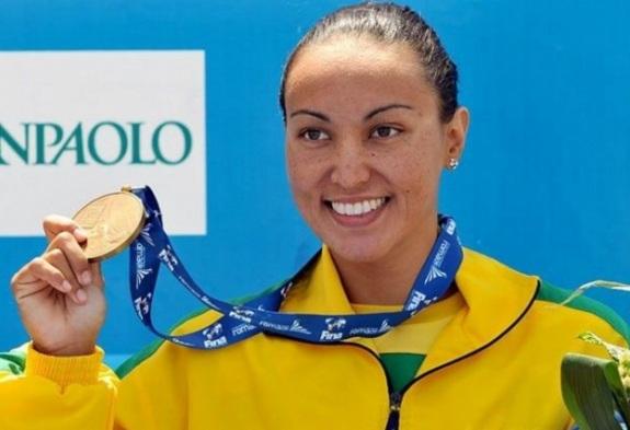 8 de março - Poliana Okimoto - maratonista aquática brasileira.