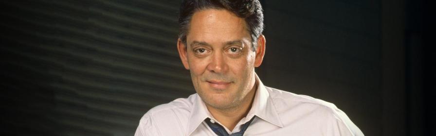 9 de março - Raúl Juliá, ator porto-riquenho